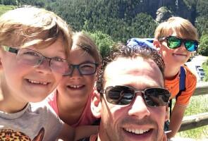 Mark van Ooij with his children