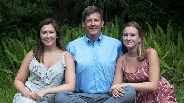 Johnson & Johnson's 2019 Working Dad of the Year Scott Joslin and family