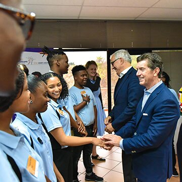 Johnson & Johnson Worldwide Chairman and CEO Alex Gorsky meets with DREAMS participants in South Africa