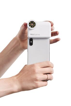 Putting the Neutrogena Skin360 skin scanner on an iPhone