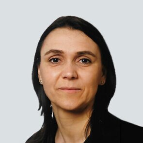 A headshot of Sandra De Meyer, Senior Director and Head of Clinical Microbiology and Immunology, Janssen