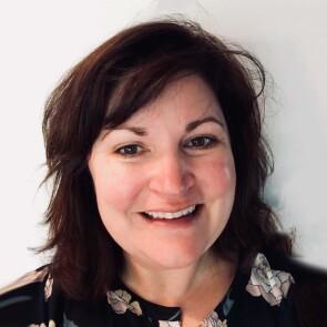 Heather Waterson, Group Manager, TruMatch Development, DePuy Orthopaedics, and Former Lieutenant, U.S. Navy