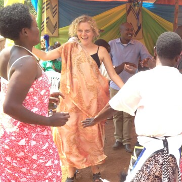 Dr. Wendy Leonard With Rwandan healthcare workers