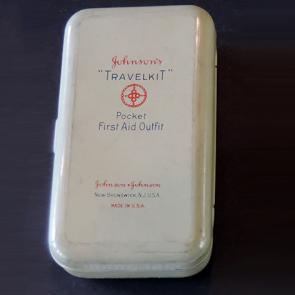 Johnson & Johnson 1921 Travelkit First Aid Kit