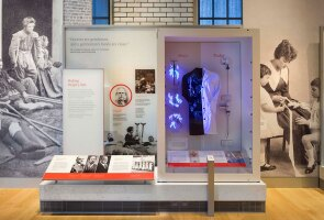 A Powerhouse exhibit illustrating Johnson & Johnson's history of promoting sterile surgery