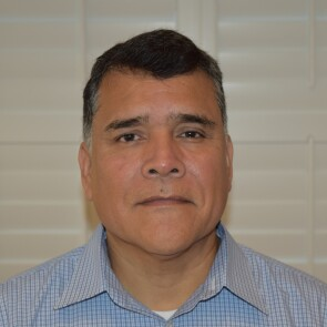 Roberto Landeros, Staff Manufacturing & Engineering Team Lead, Vistakon, and Former Officer, U.S. Navy
